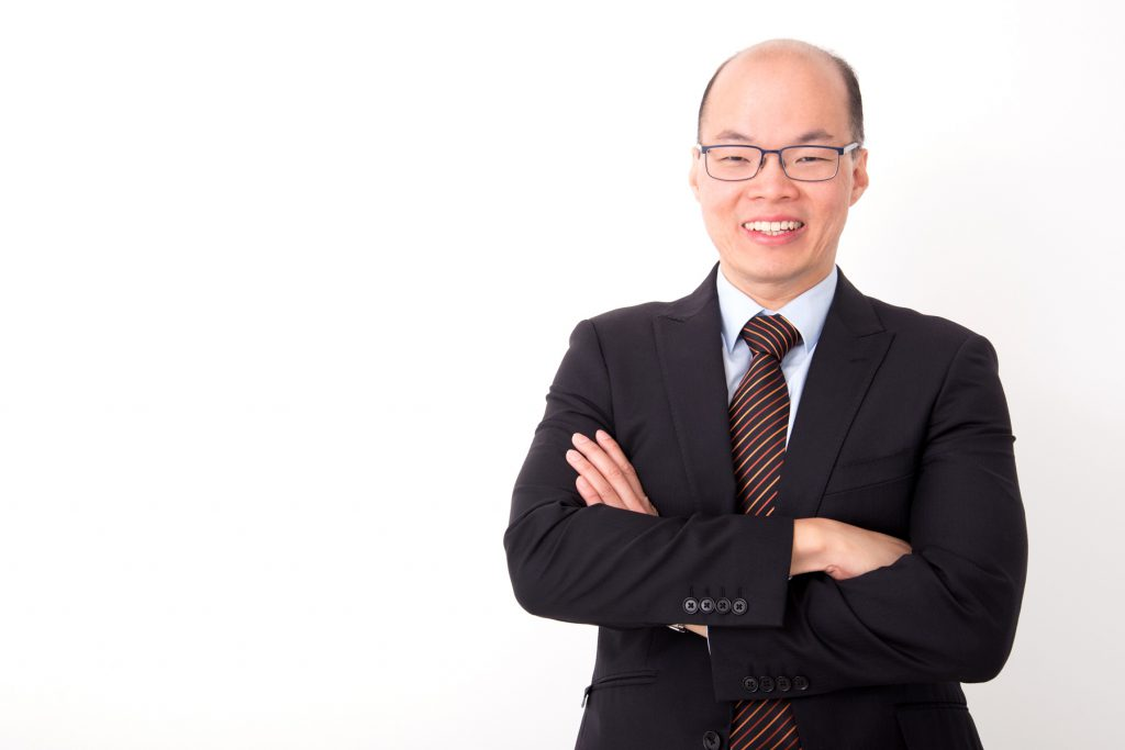 Mr Charles Yong